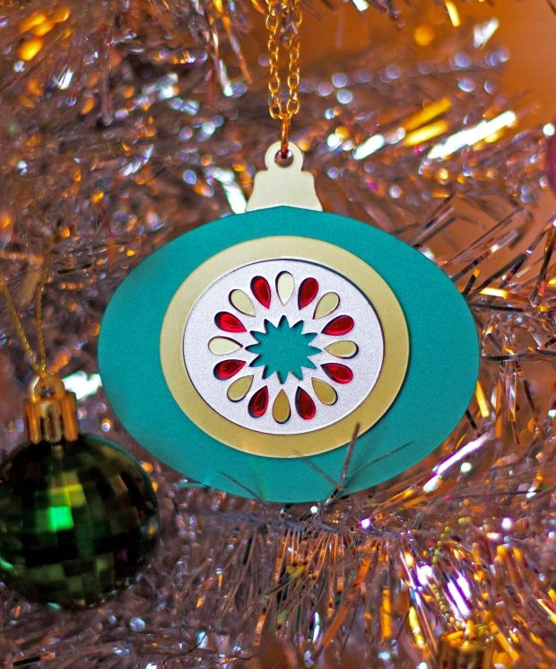Mid Century Modern Gold and Green Bauble Pendant Necklace