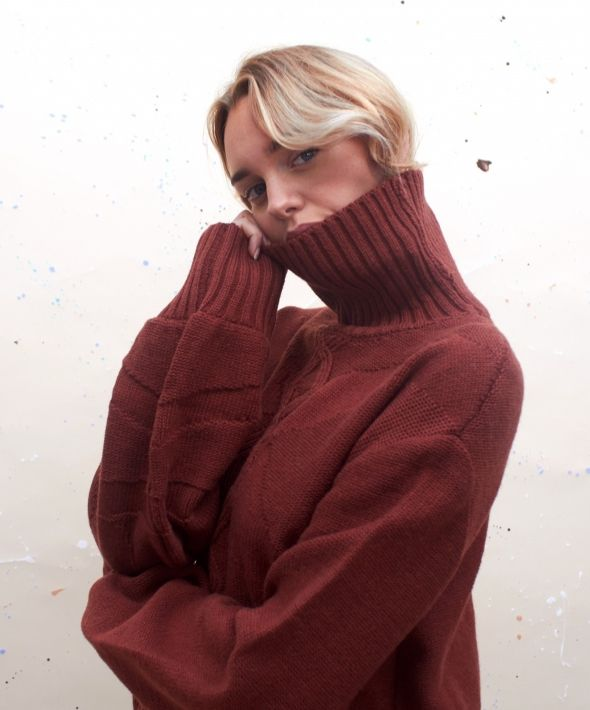 Turtle Neck Cable Knit Jumper in Reddish Brown