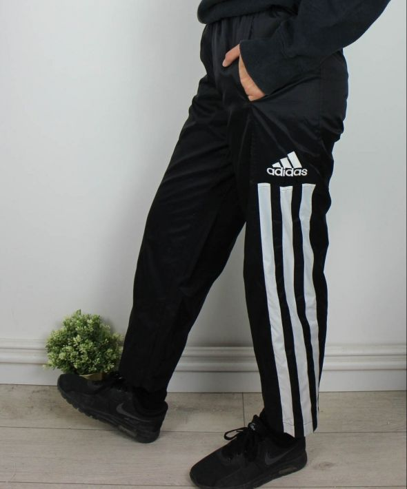 Vintage Adidas Joggers Sweatpants w Logo & 3 Stripes